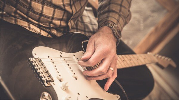 Guitar Niche - How To Tune A Guitar - Start With A Good Guitar Setup
