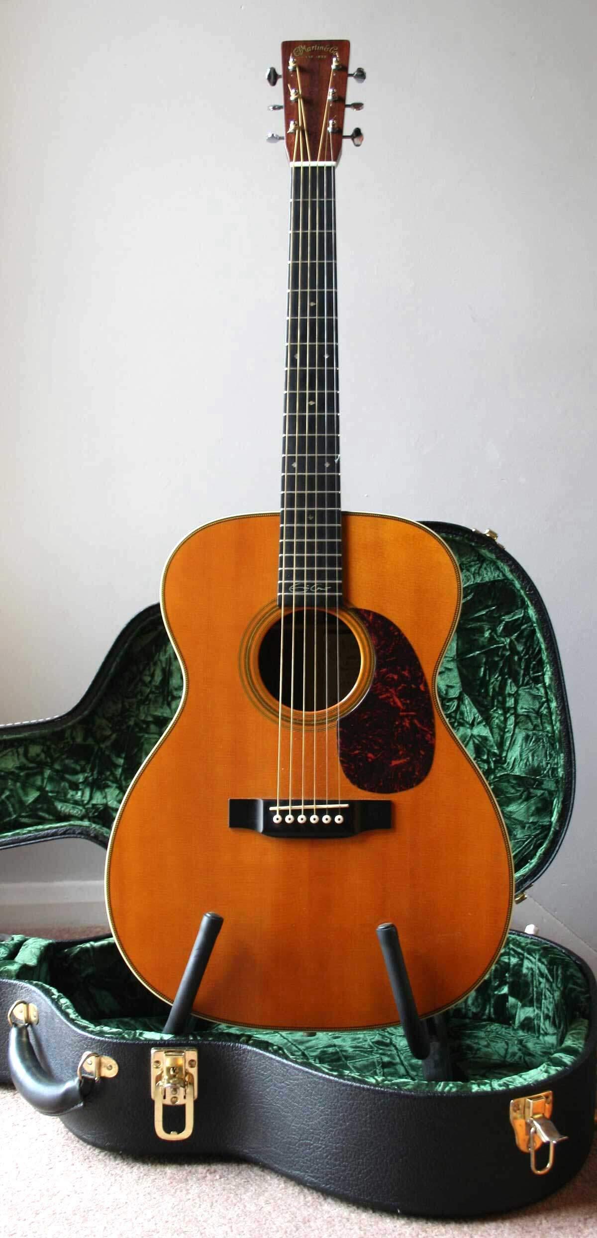 C.F._Martin_Model-000_Acoustic_Guitar
