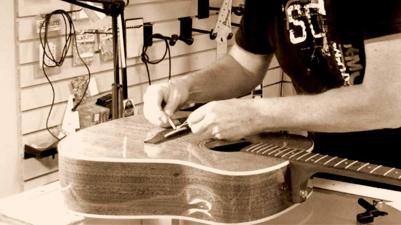 Restrining an acoustic