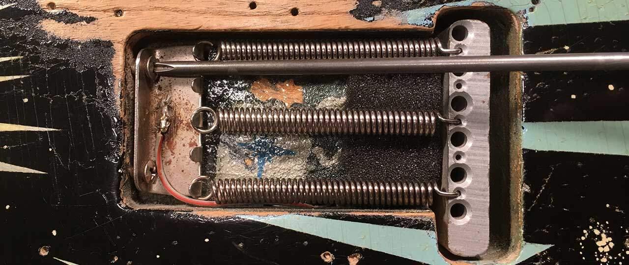 tremolo vibrato spring claw adjustment