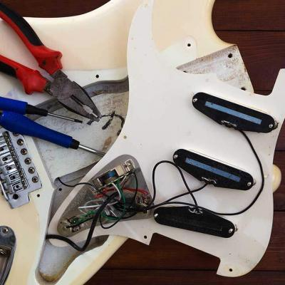 PYLE-PRO PGEKT18 Unfinished Electric Guitar Kit Review