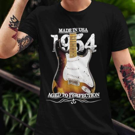 Classic 54 Stratocaster Aged To Perfection T-shirt